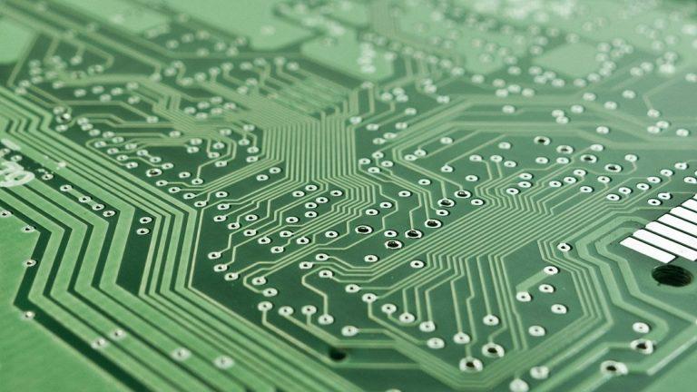 Koniec z elektroniką, której nie można naprawić? UE przygotowuje nowe prawo